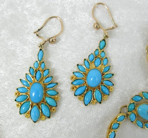 Persian Turquoise and Gold Necklace & Earring Set